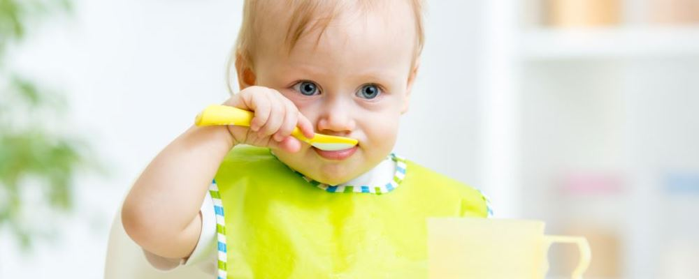 如何让宝宝爱上自己吃饭 让宝宝爱上吃饭的方法是什么 怎么样才能让宝宝爱上吃饭