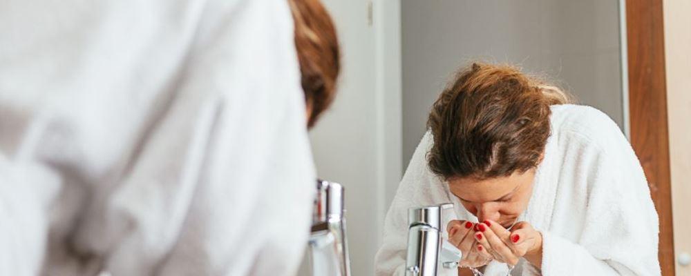办公室女人如何保养皮肤 女人保养皮肤的方法有哪些 熬夜后如何护理皮肤