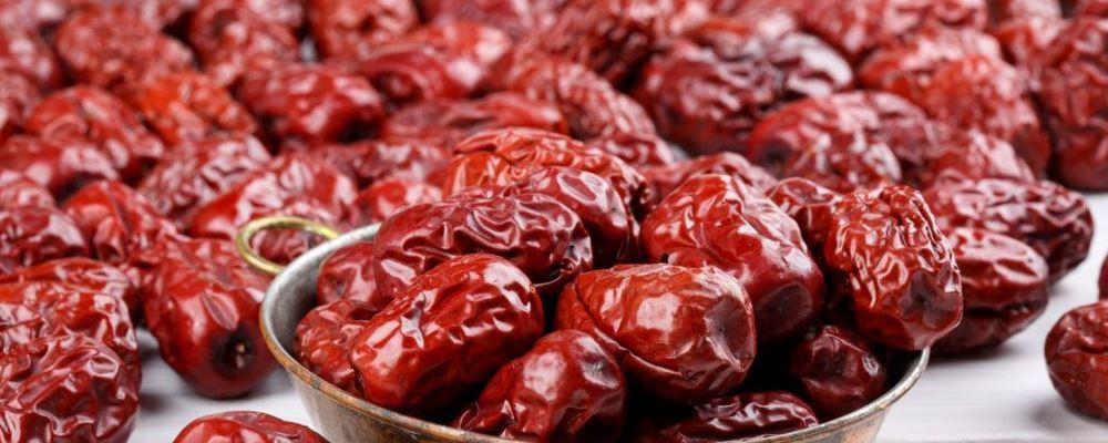 春季快到了女人吃什么好 春季女人饮食养生要注意什么 女人在春天吃红枣有什么好处
