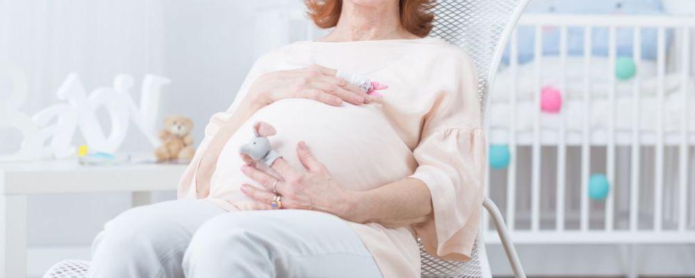 高龄孕妇如何保健有助于推荐分娩孕期的保健技术