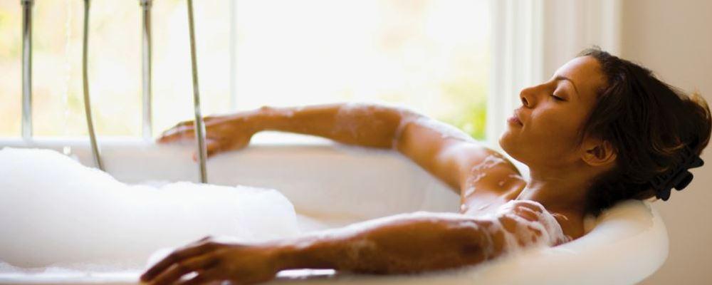 每天洗澡需要注意什么 什么是洗澡时候需要注意的 同房前后洗澡要注意什么