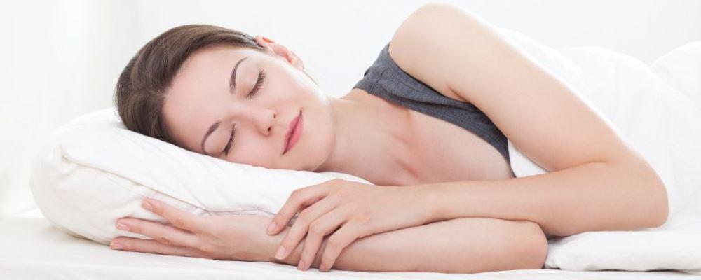 睡前坏习惯有哪些 女人美容觉怎么睡 怎么睡才能美容