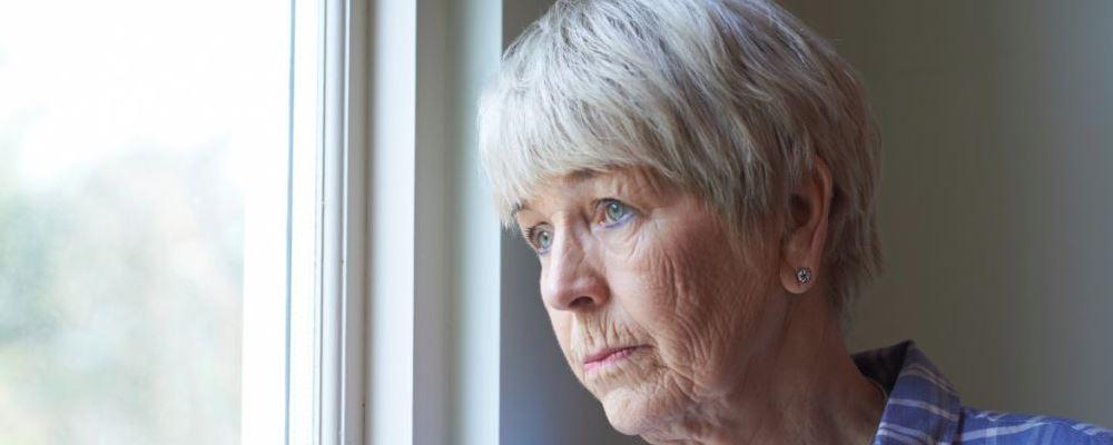 老人患上抑郁症有什么表现 抑郁症有哪些表现 如何预防抑郁症