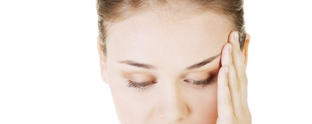 女人早上洗头的危害有哪些 女人洗头要注意什么 为什么洗发水不能直接抹在头上