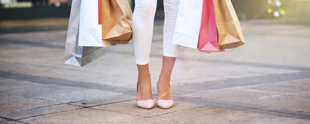 常穿高跟鞋的害处是什么 常穿高跟鞋有什么危害 常穿高跟鞋会伤腰吗
