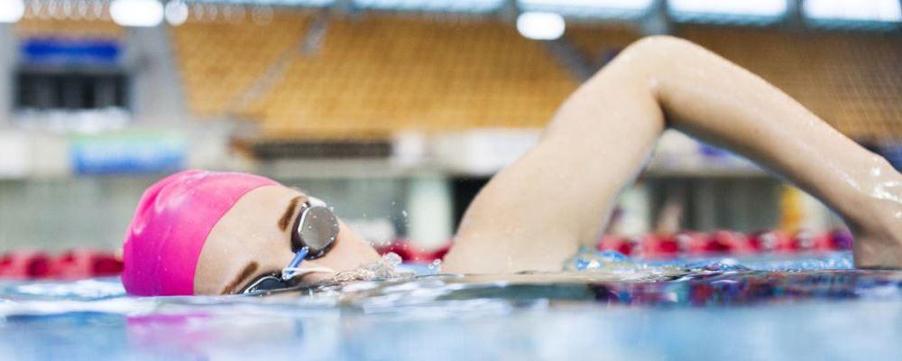 夏季游泳减肥效果怎么样 游泳可以减肥吗 夏季减肥要注意什么