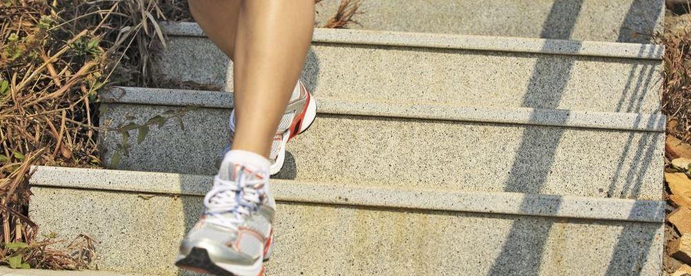 中老年女人如何养生才能老得慢 每天走路的好处是什么 中老女人养生的方法有什么