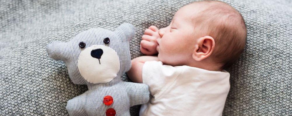 宝宝睡觉出汗多的原因是什么 为什么宝宝睡觉会出现汗多的情况 宝宝睡觉出汗多怎么办