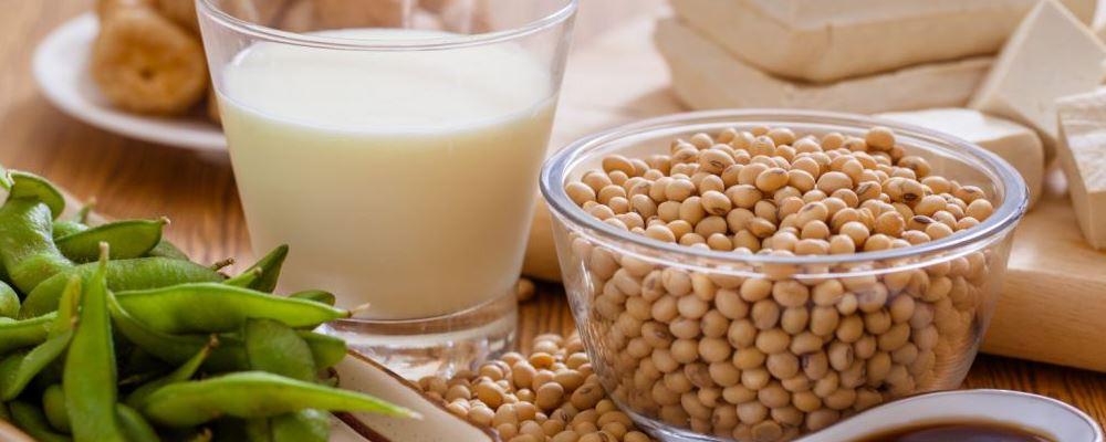喝豆浆对身体有什么好处 女人喝豆浆要注意什么 喝豆浆有什么需要注意的