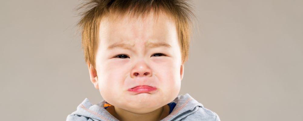孩子缺乏安全感会有什么表现呢 孩子缺乏安全感的表现是什么 孩子认生是缺乏安全感吗