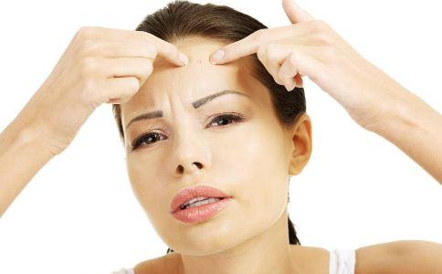 毛囊炎症状有哪些 毛囊炎的症状有哪些 毛囊炎有哪些症状