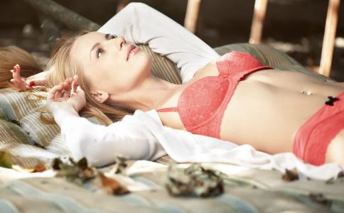 乳腺炎是什么原因引起的 引起乳腺炎的原因是什么 为什么会患乳腺