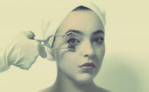 割双眼皮好还是埋线好 埋线好还是割双眼皮好 割双眼皮选割还是埋