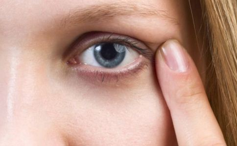 割双眼皮的坏处是什么 割双眼皮有什么坏处 割双眼皮的坏处有哪些