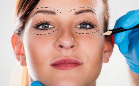眼窝凹陷怎么办才好 眼窝凹陷怎么办 眼窝凹陷怎么治疗