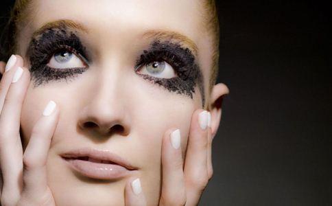 什么是黑眼圈 黑眼圈和卧蚕的区别 什么是卧蚕