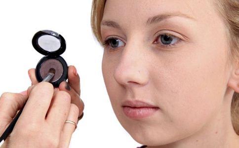 纹眼线好还是美瞳线好 什么是纹眼线 做美瞳线好吗