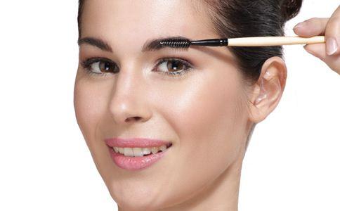 纹眉过后可以画眉吗 纹眉过后注意事项 纹眉的方法