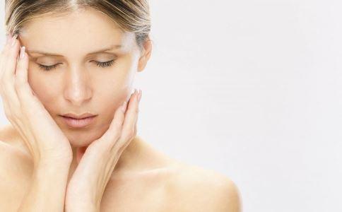 乳房胀痛是什么原因引起的 乳房胀痛原因 乳房胀痛是什么原因