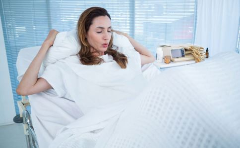 外阴白斑有哪些危害 外阴白斑可造成哪些影响 外阴白斑会导致分娩