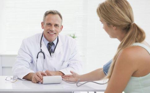 外阴白斑怎么检查 外阴白斑检查项目有哪些 外阴白斑可以做哪些检