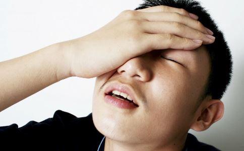 84岁老人脑内有空洞 导致颅内积气的原因 颅内积气的症状