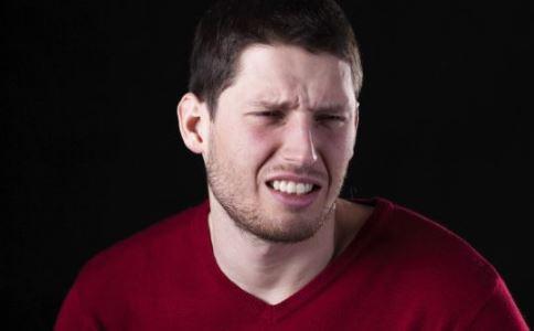 怎么按摩丰胸效果最好 按摩丰胸怎么按 如何按摩丰胸