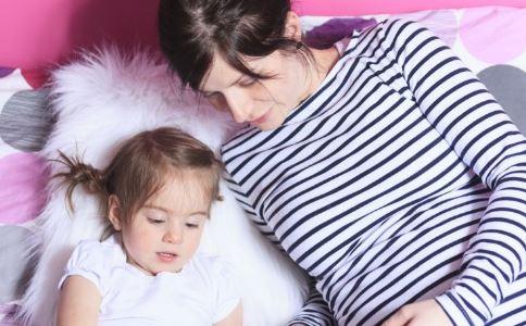 印80万婴幼儿夭折 新生儿常见疾病有哪些 如何判断新生儿肺炎