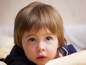 儿童癫痫病是怎么引起的