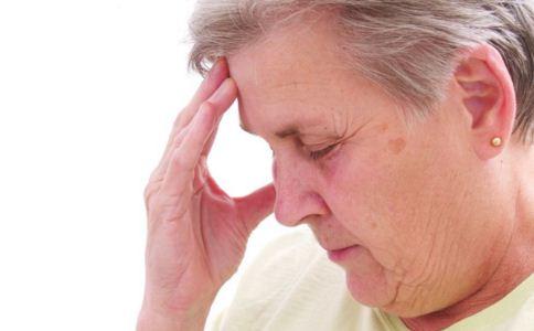 老年人癫癫的症状,老年人癫痫如何护理,老年人癫痫的原因