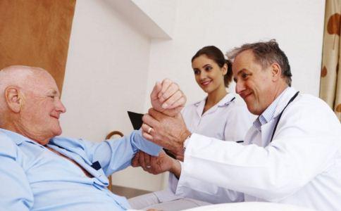老年人癫痫病发作怎么急救,老人癫痫病发作急救方法,老人癫痫病的护理