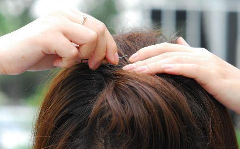 韩式发型扎法步骤(3)图片