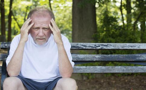 哪些人容易患上老年癡呆症如何預防老年癡呆症老年癡呆症怎麼治療