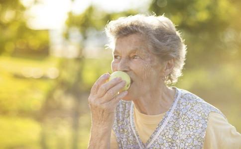 老年人夏至如何養生老人夏季養生該怎麼做老人夏季養生禁忌