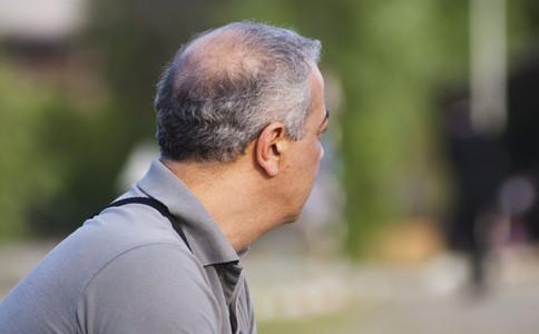為什麼老人易出現駝背如何預防老人駝背老人易駝背的原因