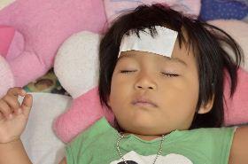 中医治疗小儿发热的偏方,小儿发热如何治疗,小儿发热推拿哪里