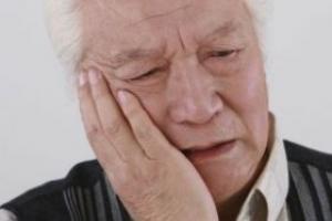 老年人缺乏维生素D的四大表现 如何补