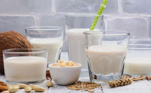 豆浆的7种功效与配方大全