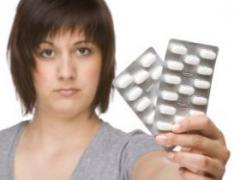 女性经期肚子疼怎么办 吃什么可缓解