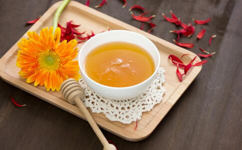 蜂蜜有助调节胃肠道 这些人不适宜吃蜂蜜