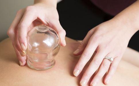 腰痛大都和湿邪有关 拔罐能祛湿邪 生活常识 第2张