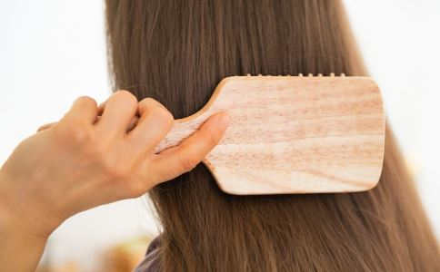 梳头一百下能养生 关于梳头的养生解读 生活常识 第2张