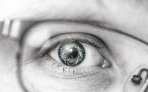 黑眼圈怎么办 这些食物帮你告别困扰