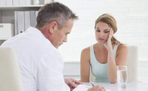 怎么在早期发现乳腺癌 乳腺癌怎么检查 乳腺癌有哪些典型症状