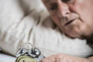 老人夜尿多 可能是这些原因导致