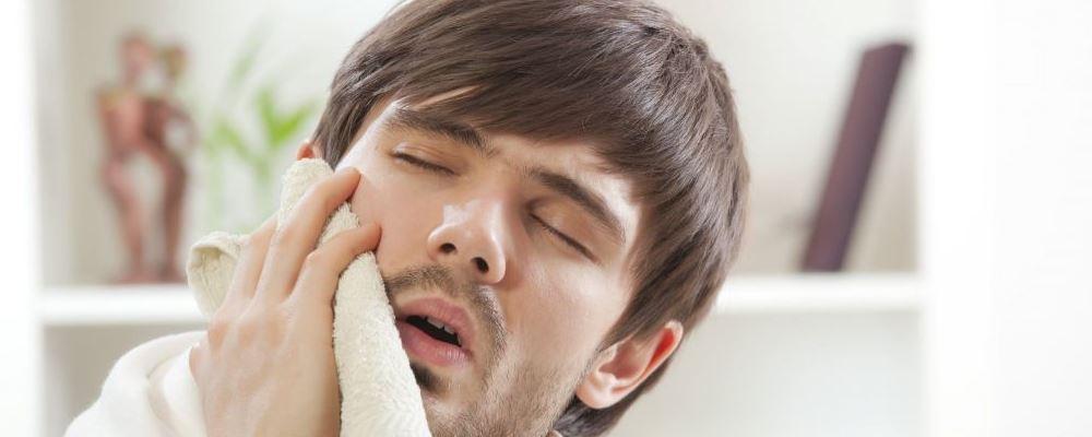 中医治疗酒渣鼻的方法 中医如何治疗酒渣鼻 酒渣鼻的饮食吃什么