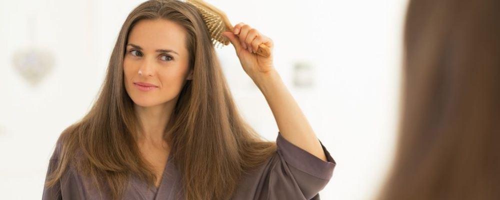 造成女性脱发原因 女性脱发严重怎么回事 造成女性脱发严重有哪些原因