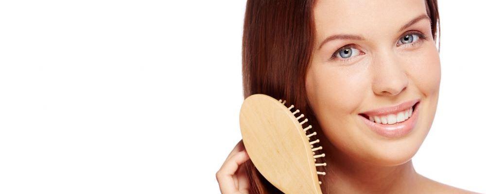 秋天为何容易脱发 秋天容易脱发的原因是什么 什么原因导致秋天容易脱发