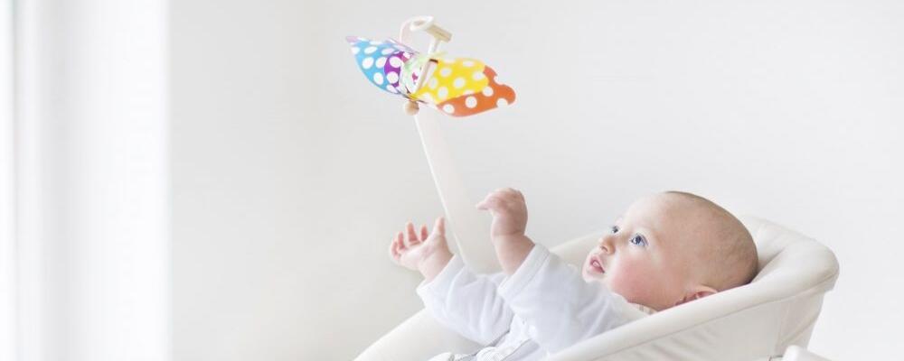 孩子可以长期玩ipad吗 孩子玩手机有什么危害呢 孩子长期玩ipad健康有什么威胁