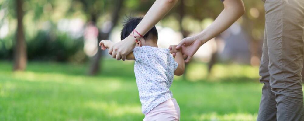 常便秘的小孩真的会变傻吗 小孩常便秘怎么办 小孩便秘怎么办